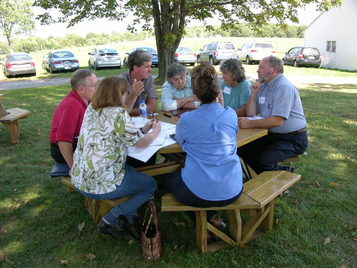 Partners from The Nature Conservancy, US Department of Agriculture, Innovative Farmers of Ohio, Ohio Ecological Food and Farming Association, and Ohio Farm Bureau Federation brainstorm a shared project at the 2007 Stinner Summit.